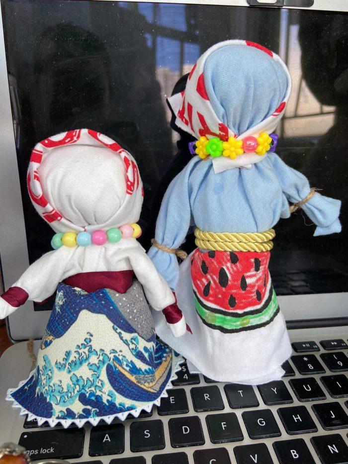 Intercultural variations of the Russian fabric doll 俄羅斯布娃娃的跨文化變奏